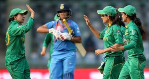 Women's World T20: India sets Pakistan 97-run target