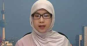 Chinese female teacher fluent in Arabic language