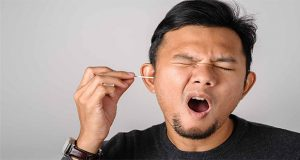 Should not use cotton swabs to clean your ears: Health guideline
