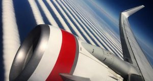 Airline passenger catches amazing pattern on sky