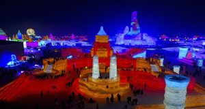 Harbian 2017: In China a city made of Ice with magnificent colours