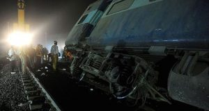At least 13 killed, over hundred injured as train derails in India