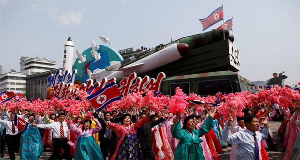 North Korea says it is ready to sink US aircraft carrier