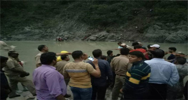 At least 23 dead as bus plunges into ravine in Uttarakhand