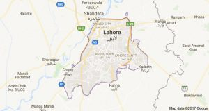 Lahore: Bus Runs into Trees, 15 Laborers Seriously Injured