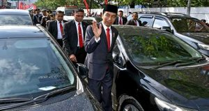 Traffic Jam: Indonesian President Forced To Walk