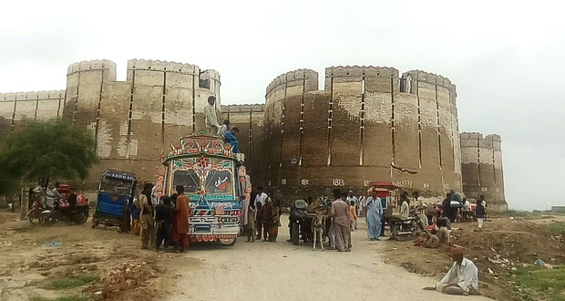 Naukot Fort Becomes Centre of Tourists' Attraction
