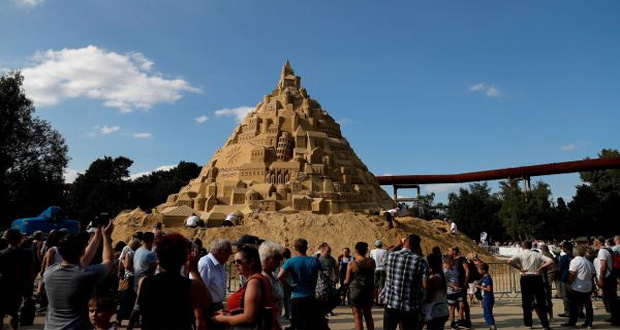 World's Tallest Sandcastle Built in Germany