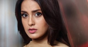 Ghairat Famed Actress Iqra Aziz Served Notice