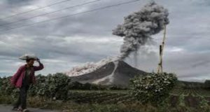 Indonesia: Volcano Eruption Leaves Thousands Stuck
