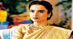 Legendary Rekha Graced The Stage After Twenty Years