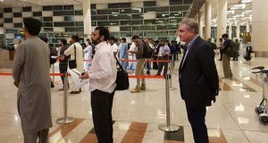 FM Shah Mehmood Qureshi Travels Without Protocol
