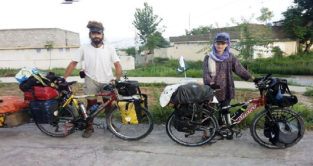 Two Foreign Cyclists Started World Tour In 1998 Reach Pakistan