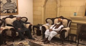 Zardari in Action; Meets Fazal to Draft Joint Strategy