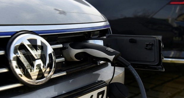 Volkswagen To Spend €44bn On 'Electric Offensive'