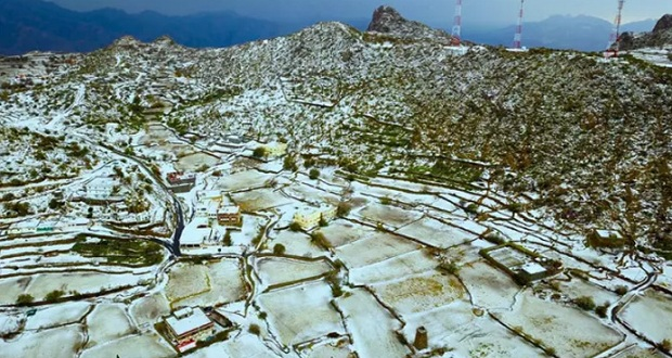 Snow Blankets Parts of Al-Taif Governorate